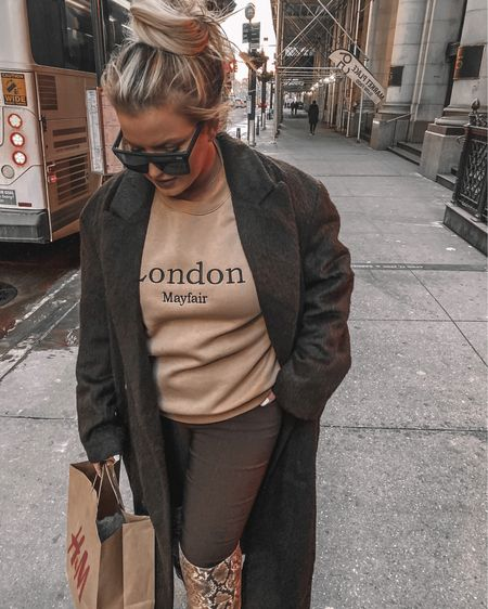 Makin my way downtown (to H&M for the 4th time this week)   http://liketk.it/39d2a #liketkit @liketoknow.it #LTKunder50 #LTKunder100 #LTKstyletip