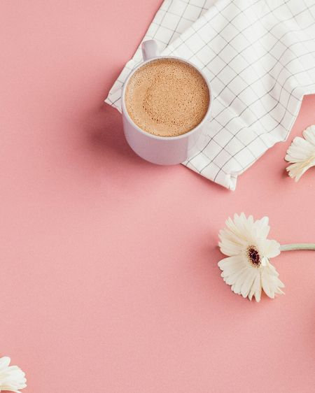 Spring feels like it's so far away. So we are bringing you daisy flowers and creamy coffee to warm you up and make you smile.    http://liketk.it/37GTh #liketkit @liketoknow.it #LTKunder50 #StayHomeWithLTK #LTKSeasonal