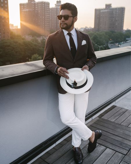 Wearing an inseam of 27! Can't beat white chinos for the summer. http://liketk.it/2UZfH #liketkit @liketoknow.it #LTKunder100 #LTKmens   White chinos. Brown loafers. Summer style. Menswear. Men's style. Short man style. Chinos. No show socks.
