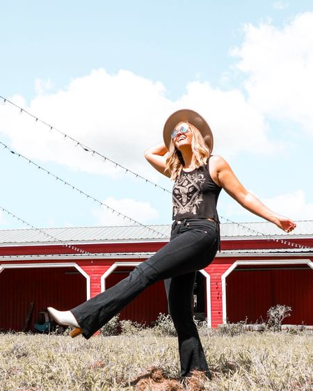 Kicking off the weekend and living my best #Texas life! I think I'm gonna like it here!   Linked in Photo: similar white booties, Panama hat, tanks, black highwaisted flare jeans   http://liketk.it/2Fj59 #liketkit @liketoknow.it #LTKunder100 #LTKunder50 #LTKtravel #LTKstyletip #LTKshoecrush #LTKsalealert #western #boho #panamahat #whitebooties #flarejeans #bellbottoms