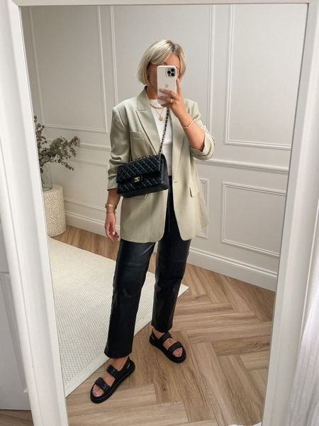 An easy and favourite transitional outfit
