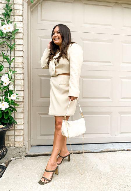 Nasty gal blazer dress wearing an 8. Amazon shoes. Amazon bag