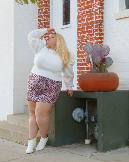 Loving this fun white, pink and ack look http://liketk.it/34cus #liketkit #LTKunder50 #LTKsalealert @liketoknow.it