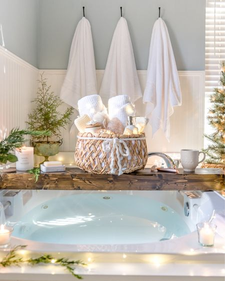 http://liketk.it/34cHI #liketkit @liketoknow.it Remember to take some time out for yourself this holiday season! Spa gifts, fresh cozy towels, and a warm bath might do the trick!