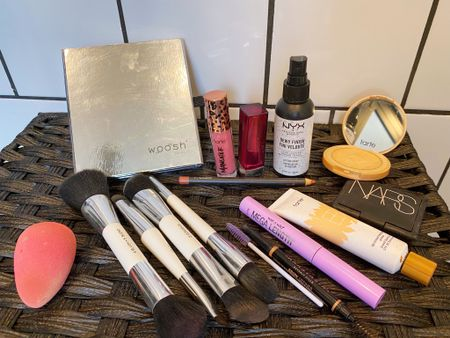 #makeup #lashesoftheday #instamakeup #anastasiabeverlyhills #softglammakeup #makeupinspo #makeupideas #makeupoftheday #makeupglam #softglam #naturalglam #maccosmetics  #LTKsalealert #LTKbeauty #LTKunder50