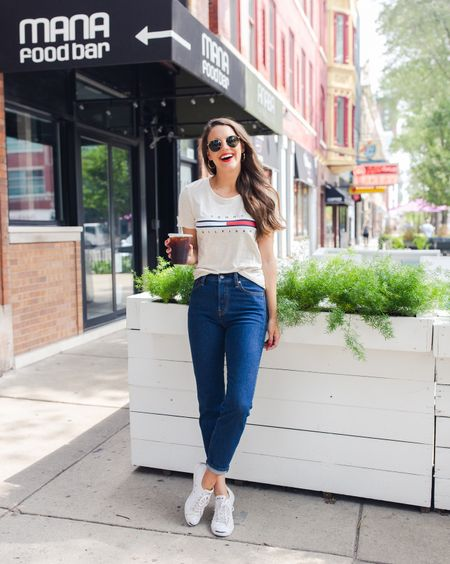 Sharing some 90's trends that you'll actually want to wear on the blog today! Loving this throwback inspired TH tee and of course-Levi's! (Size up, they run small!) http://liketk.it/2xali #liketkit @liketoknow.it