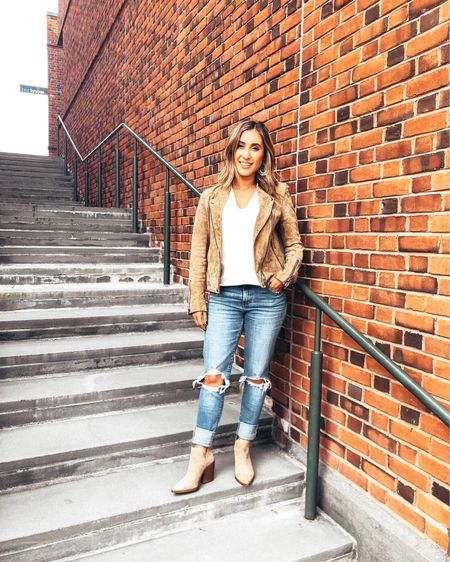 New blog post is up about the perfect suede moto jackets including this one I wore to my birthday brunch last weekend! Such a great fall staple piece 🧡  I love wearing my suede jackets with ripped jeans and some suede booties! Also, this bubble sleeve top...💁🏻♀️  Shop all my looks in the LIKEtoKNOW.it app! Simply download the app, give me a follow or screenshot one of my IG pictures to shop http://liketk.it/2FWuu #liketkit @liketoknow.it