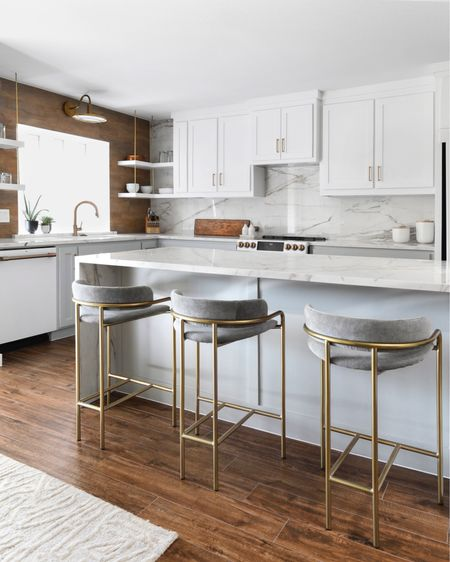 Best seat in the house- the kitchen, more than ever, the heart of the home. http://liketk.it/2NkCk #liketkit @liketoknow.it #StayHomeWithLTK #LTKfamily #LTKhome @liketoknow.it.family @liketoknow.it.home #barstools #kitchen #modernhome #bedtkitchen #modernkitchen #homedecor #kitchendecor #countertop #marble