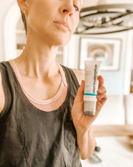 Raise your hand if you're guilty of neglecting your neck 🙋🏼♀️🙋🏼♀️ Same girl. Thankfully @dermalogica recognized our short comings. Meet your Neck's Best Friend! Dermalogica's Neck Fit Contour serum is designed to visibly firm with the first use, and train your neck back to fighting shape with continued applications. Visit our stories to learn how to properly apply this must-have for your neck ✨  . . .  http://liketk.it/36mxV #liketkit @liketoknow.it #dermalogica