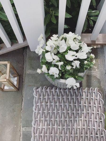 spring front steps 🤍 #liketkit @liketoknow.it http://liketk.it/3cFoh #LTKunder50 #LTKhome #LTKSpringSale