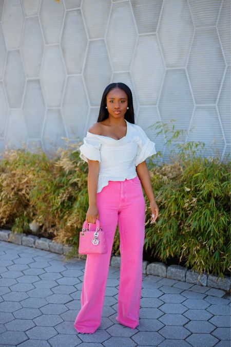 Lady in pink 🌸💕 Exaggerated off-the-shoulder sleeves and wide leg jeans. Linked top on my @liketoknow.it page  Jeans Ref 6045/011  . . #ootd #liketkit #springfashion # dmvblogger #alexanderwang http://liketk.it/3dFtN #fashion #blogger