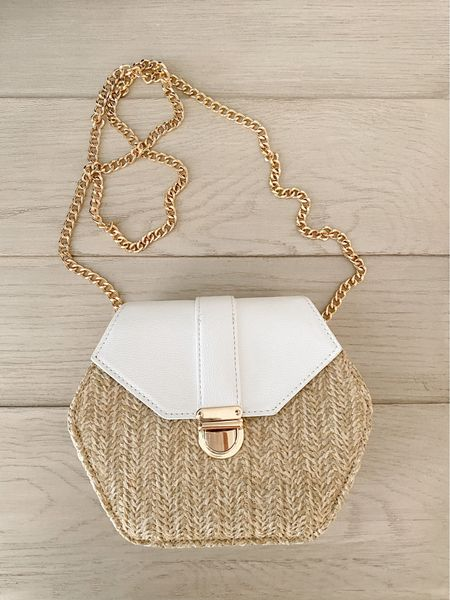 Basketweave woven bag with gold chain ($25)   #LTKunder50