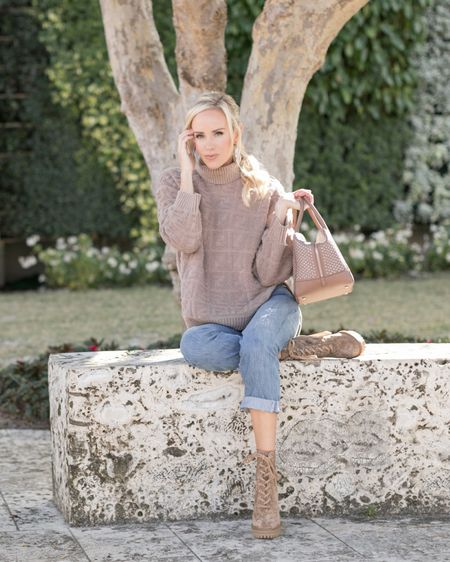 """Just a Florida girl, preparing for chilly weather ahead!   While """"chilly"""" for us may mean a low of 40 degrees, it is still an opportunity to pull out some knits and boots! I love pairing a chunky sweater with distressed boyfriend jeans. Add a cool bag or bootie and you will be both cozy and chic 🖤  Shop my look here: http://liketk.it/2KL28 #liketkit @liketoknow.it   Photo Cred:"""
