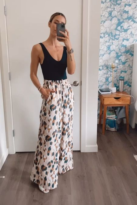 I will be living in these pants ALLLLL summer and they are on sale! Super comfy and run TTS!  #LTKunder100 #LTKunder50 #LTKstyletip