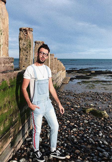 Sunset beach strolls taking the edge of those Monday blues 🌅 @liketoknow.it http://liketk.it/2wA3O Shop my daily looks by following me on the LIKEtoKNOW.it app         - Dungarees @boohoomanofficial -   - - - #boohooman #liketkit  #LTKmens  #LTKeurope  #ootdmens #ootdmenstyle #malebloggers #fashionbloggersuk #fbloggersuk #menswearblog #mensstyleblog #whatiwore #liketoknowit #fashiongrams #streetstylemen #streetstyleinspo #instagay #gayguys #mensfashionreview #mensfashionpost #fashionboys #styletip #malemodel #gayguy #guysstyle #gayuk #bloggerstyle #fashionboysofficial #guysfashion