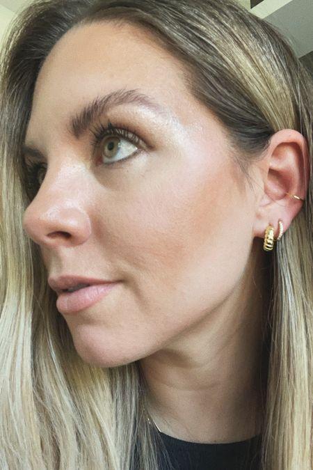 Minimal earrings 🖤