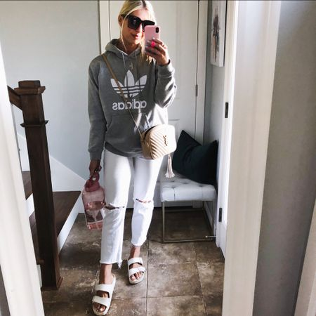 Mom style. Sweatshirt fit tts..I wish I didn't have the large http://liketk.it/3gZuT #LTKunder100 #LTKstyletip #LTKfamily You can instantly shop my looks by following me on the LIKEtoKNOW.it shopping app @liketoknow.it #liketkit