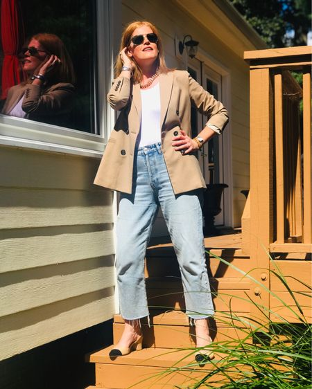 When the blazer makes the outfit.  This fall, I'm loving a chic neutral blazer.  It's such a timeless staple for fall. See all my picks on the blog! @liketoknow.it #liketkit http://liketk.it/2WyaN