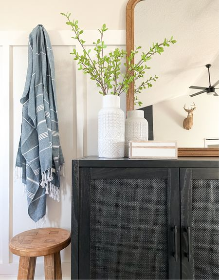 Affordable entryway styling.   #LTKhome