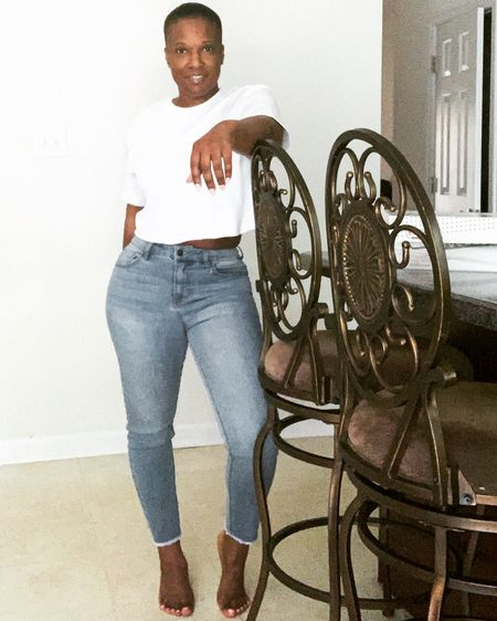 I love a comfy outfit, jeans & crop top #liketkit @liketoknow.it #LTKunder50 #LTKunder100 #LTKspring Shop my daily looks by following me on the LIKEtoKNOW.it shopping app http://liketk.it/2QsM7