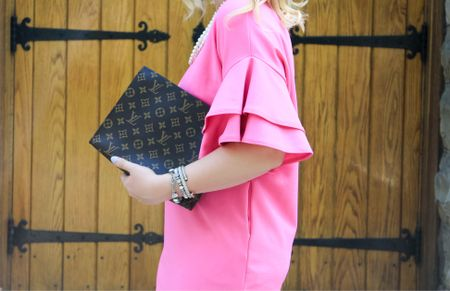 This #littlepinkdress from yesterday's blog post legit is sleeve goals! 🙌🏻 Nothing I love more than a good bell sleeve and the best part about it is it's pink! 💕 I'm dishing out why I am loving pink and how it has become the new power color for us ladies! Head over to #CAAB to read all about it! 🎉 Shop your screenshot of this pic with the LIKEtoKNOW.it app http://liketk.it/2sy9F #liketkit @liketoknow.it