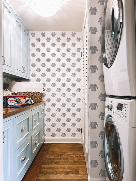 """Our laundry room facelift is done—and the space has definitely become my happy place, as weird as that may sound. #PersilPartner Doing the laundry is a chore that I can actually *complete* in one sitting and in peace and quiet. 🧘🏼 And the sense of accomplishment that comes along with that is 🙌 ! After we got the wallpaper up, we upgraded our detergent to @PersilProClean Discs + OXI Power to clean all the (real) striped shirts 😜 ... and the change has made my laundry routine time even more satisfying. No more spills, and since the formula fights tough stains, I don't have to soak the girls' clothing as much. The process also goes far more quickly, which helps me stay on top of life *and* get better """"me time"""" after the kids go down at night. Swipe to see a before photo of the space, and head to Stories for more details! http://liketk.it/3j8CD #liketkit @liketoknow.it"""
