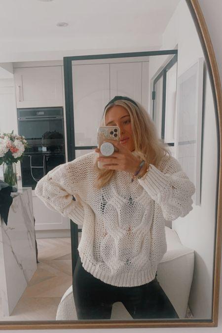 Knit jumper - cable knit jumper - cable knit sweater - cable knit sweatshirt - white jumper - chunky knit sweater - white sweater - headband - gossip girl style - black leggings - leather leggings - topshop leggings - leather pants - H&M knitwear   #LTKsalealert #LTKstyletip #LTKunder50