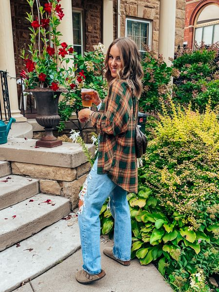 Casual fall transition outfit, wearing s in tops, size down one in agolde ; electric picks & bracelets on sale with codes LOMEYER20 or LOMEYER 🤍    #LTKunder100 #LTKshoecrush #LTKsalealert