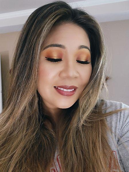 Fall inspired eye makeup look using Natasha Denona Sunset palette. #fallmakeup #eyeshadpwforfall #orangeeyeshadow #eyeshadowpalette http://liketk.it/3noQt @liketoknow.it #liketkit #LTKunder50 #LTKunder100 #LTKstyletip #LTKbeauty Download the LIKEtoKNOW.it app to shop this pic via screenshot