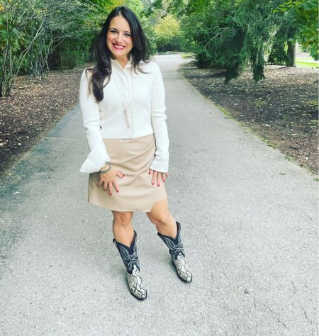 A casual-chic look for a perfect Friday   #LTKstyletip #LTKshoecrush #LTKSeasonal