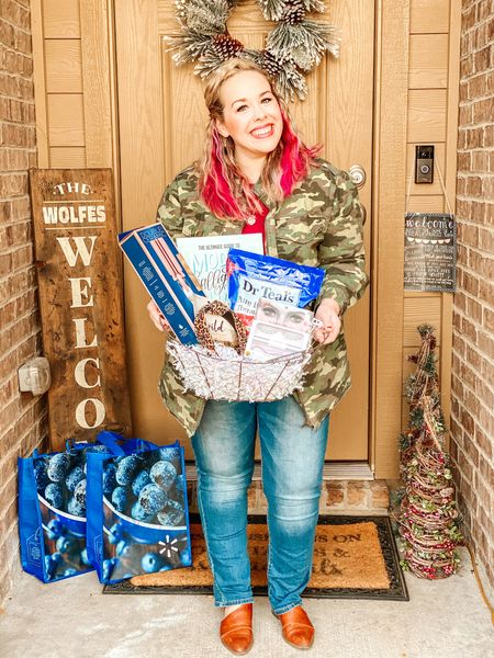 #Ad: What's the best Secret Santa gift you've ever given or received?  I love participating in Secret Santa and White Elephant exchanges. They give me an excuse to gift fun things to my friends and show them my appreciation for their friendship. While this year definitely is different, that doesn't mean I can't do a fun porch drop off for my gals, right?  I don't know about you all, but I'm super busy with the kids and well, life. I've talked about my Walmart+ membership before and I'm telling you- it saves me so much time (and I don't have to leave my house.) I used it to order some fun things for my Secret Santa and I'm so happy! If you don't have #Walmartplus yet, you can choose an annual or monthly plan, get so many awesome benefits including the brand new Walmart+ free shipping, no order minimum (excludes oversized/freight and marketplace items). There are so many awesome affordable Secret Santa gift options and you'll get free next day and 2 day shipping on items shipped by @walmart- no order minimum required.  Get all the details on the Walmart+ 15 day trial and all of my fun affordable Secret Santa gifts for friends on my blog thevintagemodernwife.com/gifts/affordable-secret-santa-gifts/ (clickable link in profile) or screenshot this photo and head to http://liketk.it/33XXA  #liketkit @liketoknow.it #LTKgiftspo