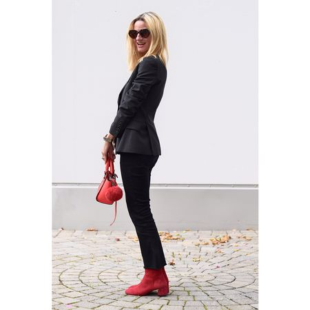 Black and red... don't forget to sign into www.liketoknowit.com if you would like to shop the look👍💕 http://liketk.it/2pmBR @liketoknow.it #liketkit