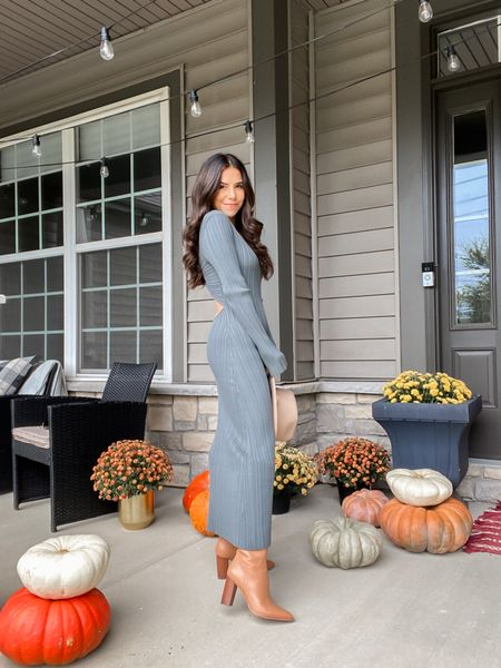 What's your fall style? Knit dresses or sherpa jackets? Im a little big of both this year. Sharing my favorite from @nordstrom. #nordstrompartner
