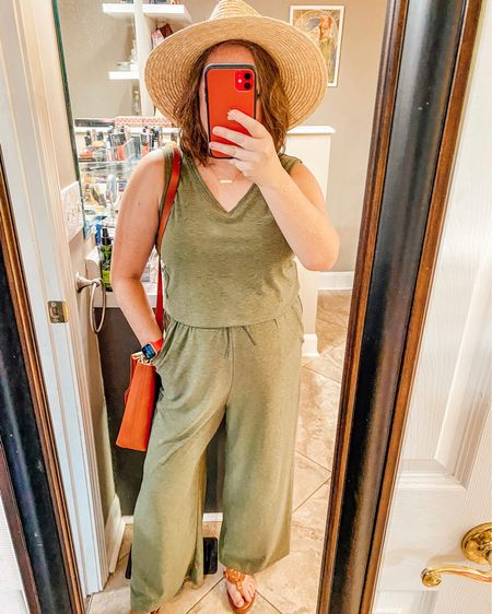 Summer jumpsuit into fall transition   #LTKbacktoschool #LTKworkwear #LTKSeasonal
