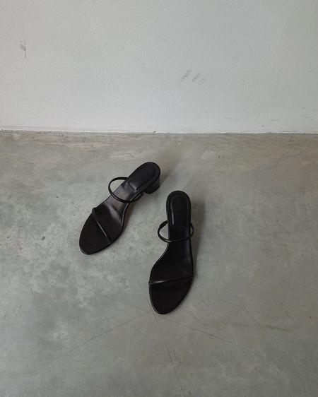 perfect summer sandals // http://liketk.it/3e7sL #liketkit @liketoknow.it #LTKeurope #LTKshoecrush