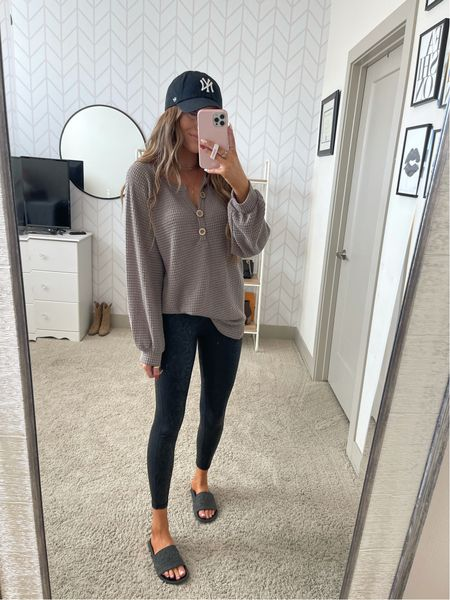 Comfy fall outfit! Black snake leggings & oversized thermal top! Use code MAKENNA15!