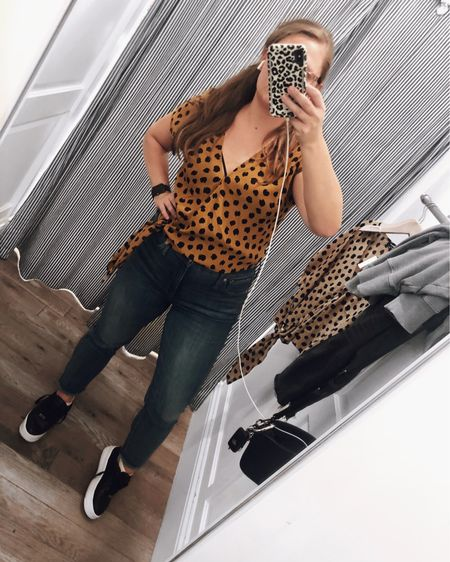 Scored these comfy jeans on SALE for only $45 at Madewell yesterday. They're $59.99 on the website right now + get an additional 30% off with code REALDEAL. http://liketk.it/2K5Xu #liketkit @liketoknow.it #LTKsalealert #LTKunder50 #LTKspring Shop your screenshot of this pic with the LIKEtoKNOW.it shopping app