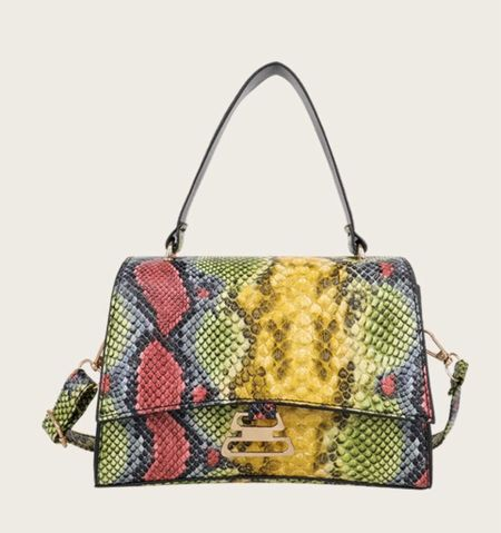 #fall #fall2021 #bag #handbag #purse #crossbody #prints #animalprint #snakeprint    #LTKGiftGuide #LTKunder50 #LTKitbag