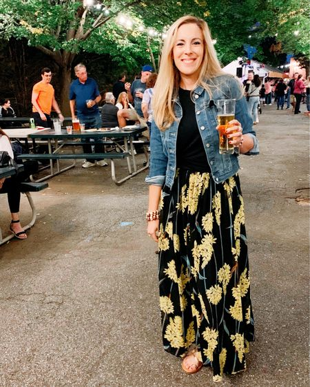 When was the last time you went out with some friends? 🍷🍷 . . There is a local beer garden by my house and I met up with some friends for a night of music and laughs. Outdoors, low key, and lots of fresh air. What more can you ask for!?🍺🍺 . . By the way, I bought this skirt for my trip to Hawaii earlier this year and hadn't worn it since! I know summer is coming to an end, so I put it on one more time as my way of holding on just a bit longer to this glorious weather. I love the in-between seasons. ☀️🌤 . .  http://liketk.it/2EWun #liketkit @liketoknow.it #LTKunder100 #LTKunder50 #LTKstyletip #LTKspring #LTKsalealert