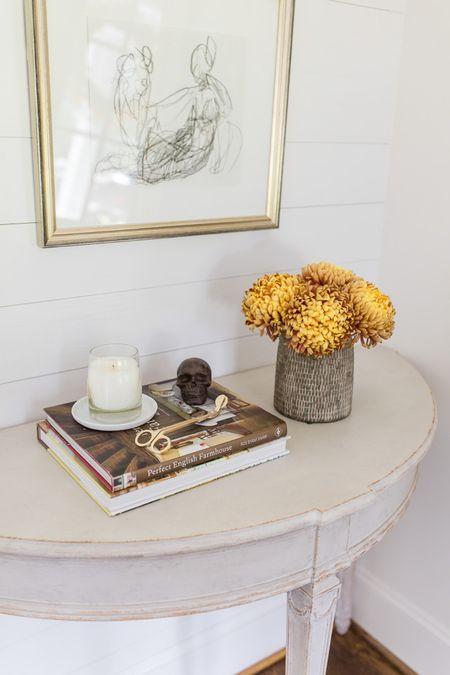 fall decor, console table, entryway, entryway decor, halloween decor http://liketk.it/2XdKi #liketkit @liketoknow.it #LTKhome #LTKunder100 #LTKunder50 #LTKfall More fall decorations on natalieyerger.com today 🦇 🎃 🍂