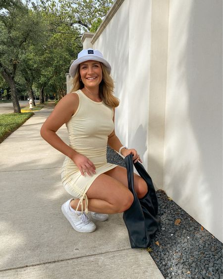 """full amazon fashion fit 💛 this dress is the summer casual """"it"""" dress! i ordered the beige but as you can see it's yellow😂 but i like it! love this cute bucket hat and my black purse! http://liketk.it/3e87g @liketoknow.it #liketkit #LTKstyletip #LTKshoecrush #LTKunder50"""