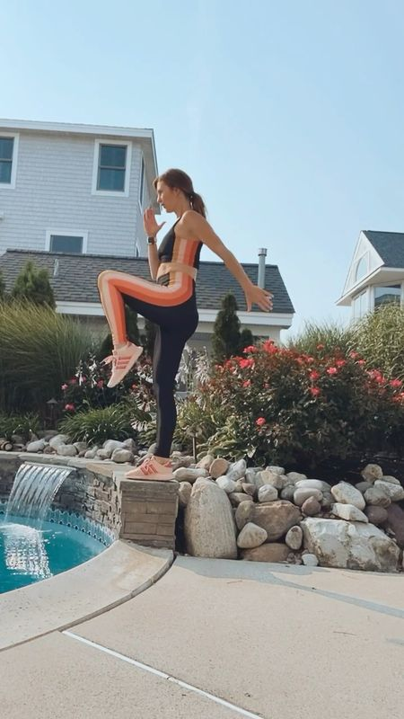 Outdoor workout, matching leggings, workout style, exercise looks, sneakers   Sports bra, workout leggings Finding beauty mom   #LTKfit #LTKSeasonal