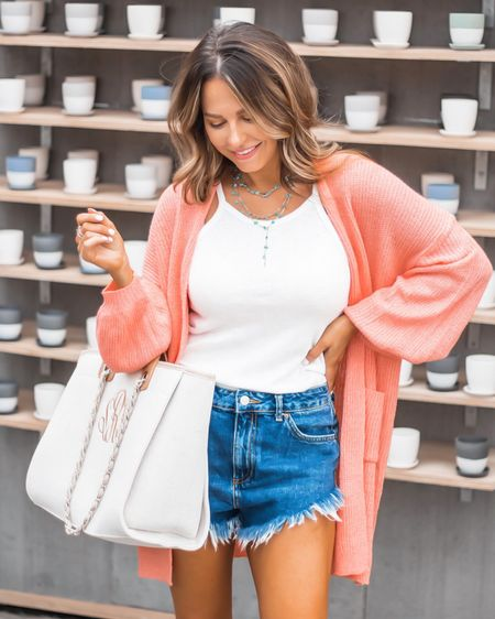 Sweater season is soooo close! Who else is excited?! 🧡🍂🧡 I'm in love with this peachy cardigan from @jessleaboutique && you can use code SABBYSTYLE for 10% off - linked in Stories & my bio! And monogram tweed tote is 15% off with code sarasab. It is such great quality and is the perfect everyday tote 🙌🏻 - - -  http://liketk.it/2EiIz @liketoknow.it #liketkit