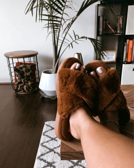 Cozy slippers, cozy home! http://liketk.it/2XZnu #liketkit @liketoknow.it #StayHomeWithLTK #LTKhome #LTKshoecrush