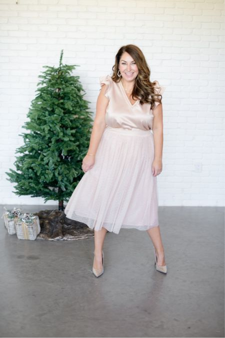 Gibsonlook x Hi Sugarplum Holiday Collection   Use code RYANNE15 to save 15% on the entire collection!   Fit tips: blouse tts, L // skirt tts, L   #LTKshoecrush #LTKHoliday #LTKstyletip