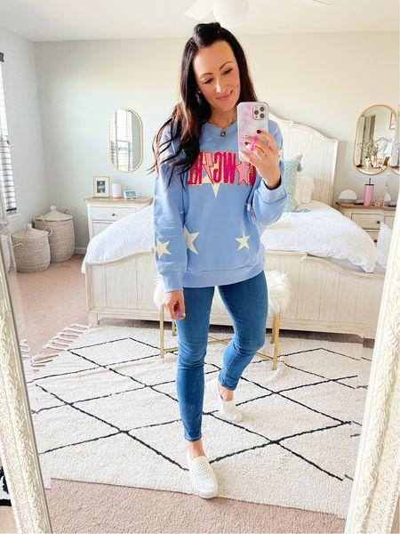 Size medium sweatshirt - code ASHDONIELLE for 20% off!