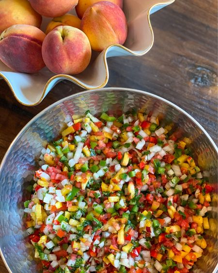 This Peach Salsa recipe is a breeze to make  thanks to the $26 chopper I use - one of my FAVORITE kitchen gadgets!    http://liketk.it/3iCEG #liketkit @liketoknow.it
