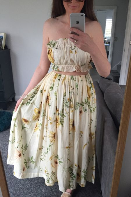 Summer outfit, summer trends, summer 2021, H&M floral dress, H&M floral skirt, H&M floral maxi dress, yellow, yellow jumper, knitwear, spring knitwear, spring transition outfit, H&M, H&M jumper, H&M jeans, knitwear outfit, joggers outfit, lilac outfit, lilac joggers, Lee jeans, H&M floral skirt, floral dress http://liketk.it/3ewGF #liketkit @liketoknow.it @liketoknow.it.europe #LTKeurope #LTKunder50 #LTKstyletip
