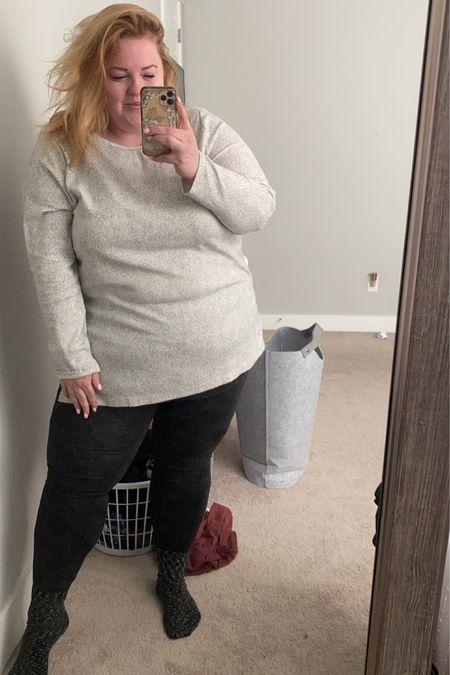 Lane Bryant door buster alert 🚨 $10 tees and my leggings are under $30 for the softest leggings you'll find http://liketk.it/361xc #liketkit @liketoknow.it #LTKsalealert #LTKcurves