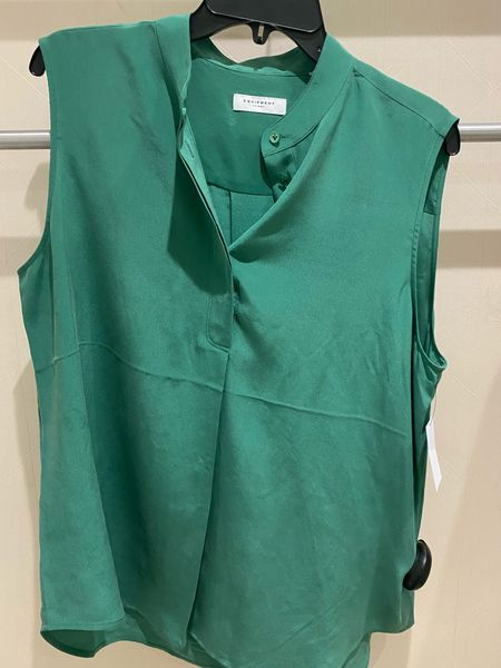 This easy Equipment blouse is a stunning color.   #LTKworkwear